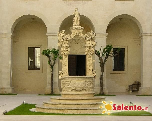 Pozzo dell 39 architetto g cino uno dei massimi esponenti del barocco leccese tra il 1694 1709 - Architetto lecce ...