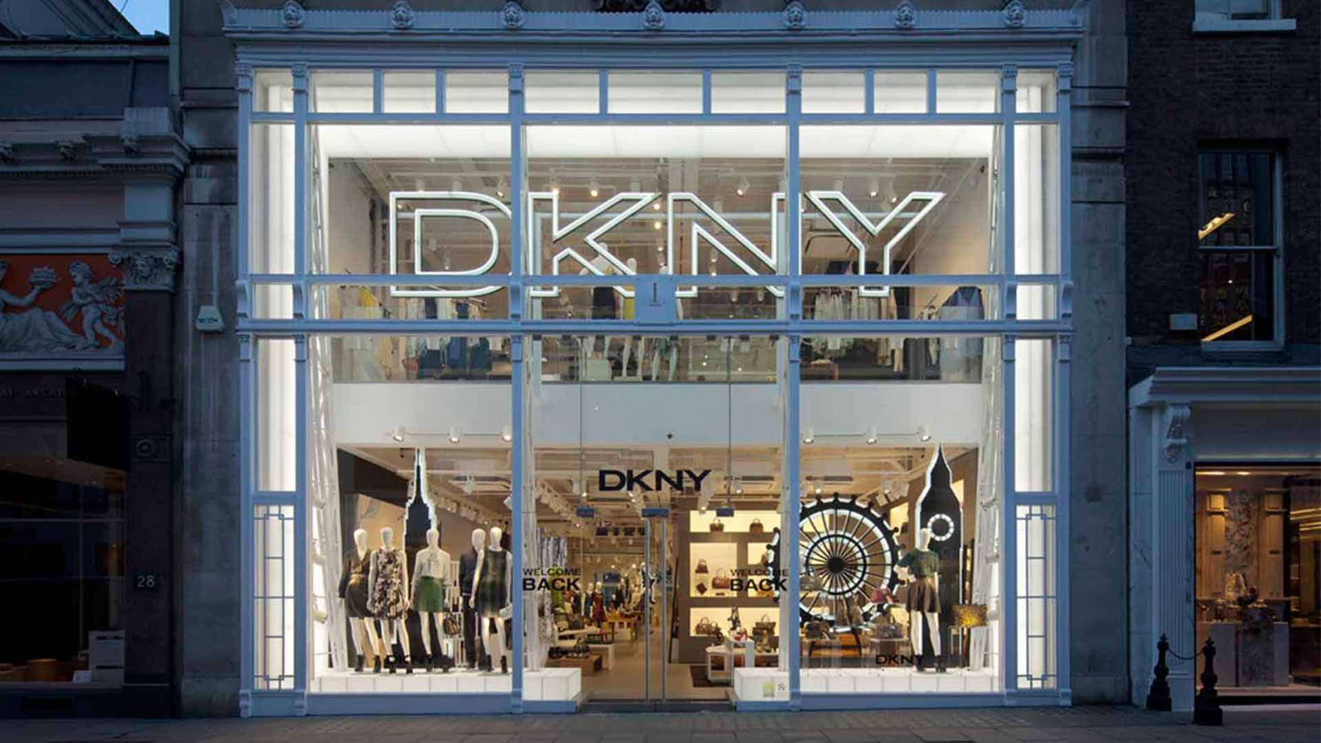 Luxury retail facade bond street exterior lighting design for Exterior standalone retail