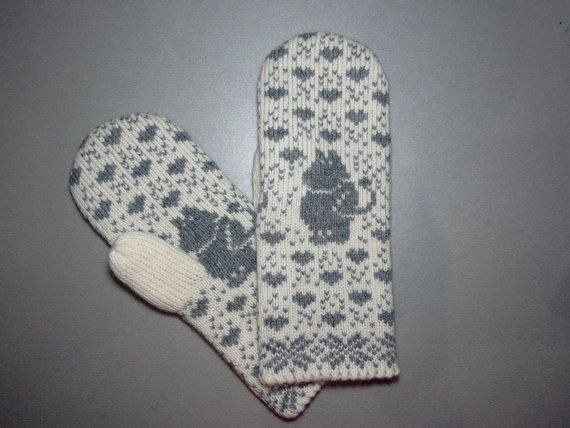 Hand-made adult mittens with moomin pattern by LanaNere on Etsy ...