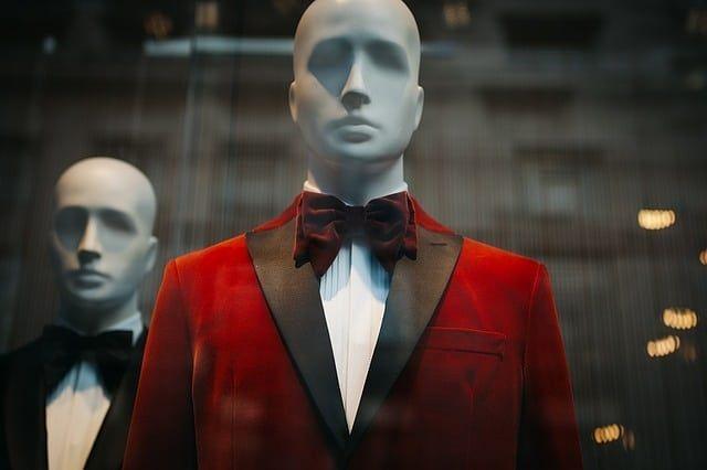 Photo By StockSnap | Pixabay  #black #red #suit #shoppingonline #shoppingday #shoppingtime #shoppingthailand #shoppingaddict