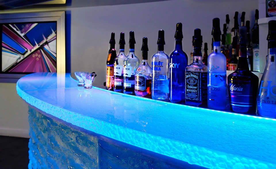 Glass bar | ThinkGlass | productFind | InteriorDesign.net
