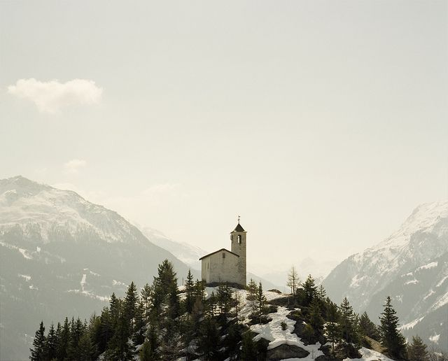 "Montvalezan chapel, Alps, France - ""Untitled"" by Alex Catt, vai Flickr"
