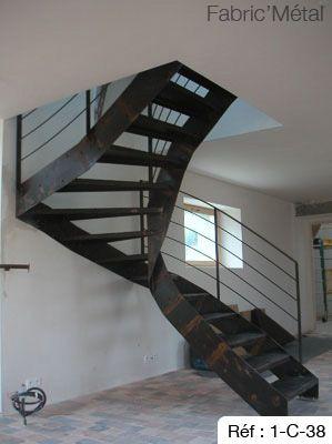 Escalier Metal Deux Quart Tournant En Acier Brut Avec Marche En Tole