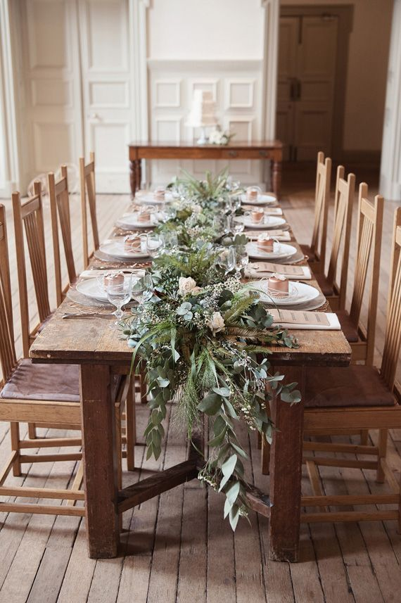 Organic Natural Wedding Inspiration Winter Table Decorations Christmas Table Decorations Rustic Wedding Table Setting