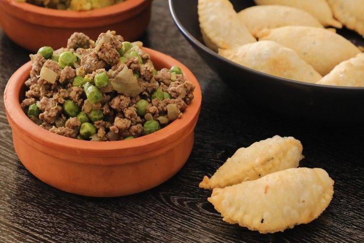سمبوسة بحشوة اللحم والبازيلاء بالفيديو مطبخ سيدتي Recipe Food Vegetables Beans