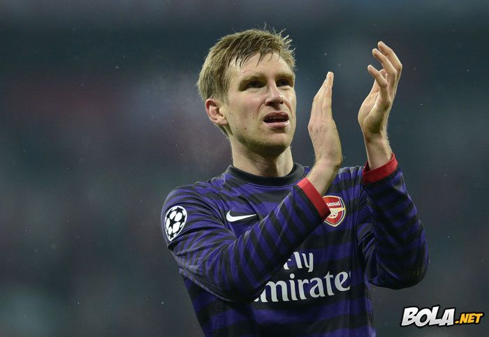 Bola.net: Foto : Kisah Arsenal Berakhir di Allianz