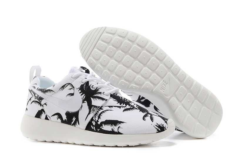 34ded8e2fc9bb For Nice Nike Roshe Run Pattern Womens Palm Trees Black White Black Friday