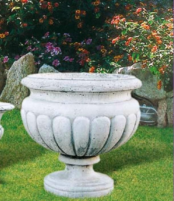 ANCIENT FLOWER POTS AND VASES GREEK AND ROMAN PLANTERS