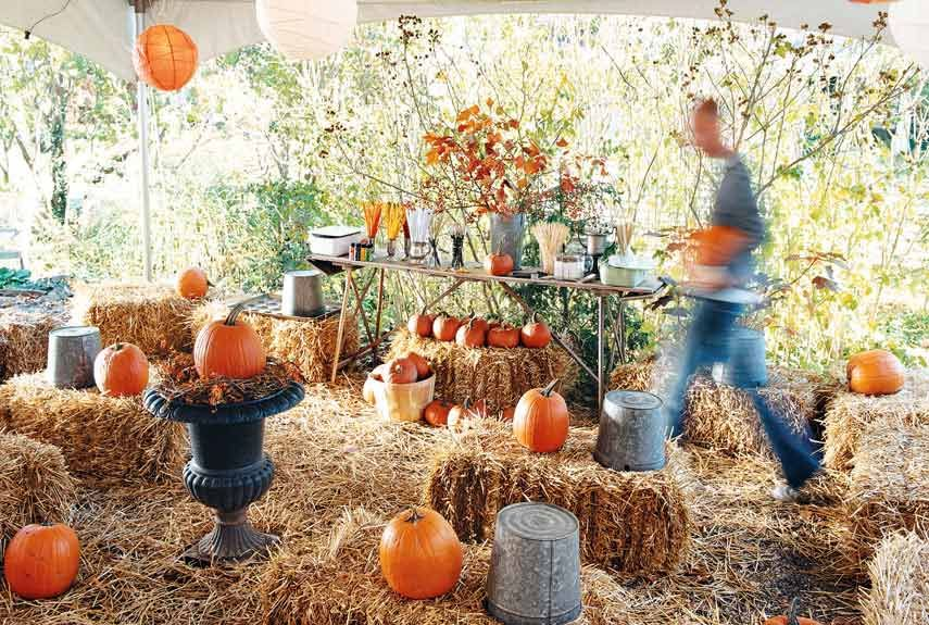 56 Fun and Festive Halloween Party Decoration Ideas Straw bales - halloween party centerpieces ideas