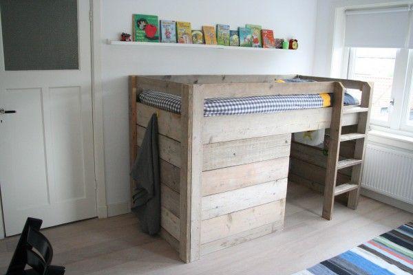 Stoere kinderkamer met steiger hout interieur design by nicole fleur creatief kinderkamer - Loft bed met opbergruimte ...