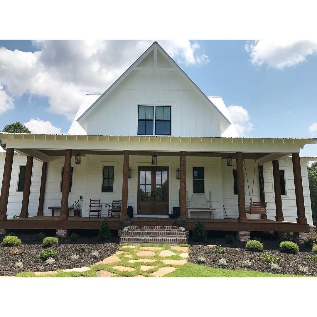 Brianna Wilbur Briannawilburphoto Instagram Photos And Videos With Images Gable House Dream House Plans Farmhouse Style House