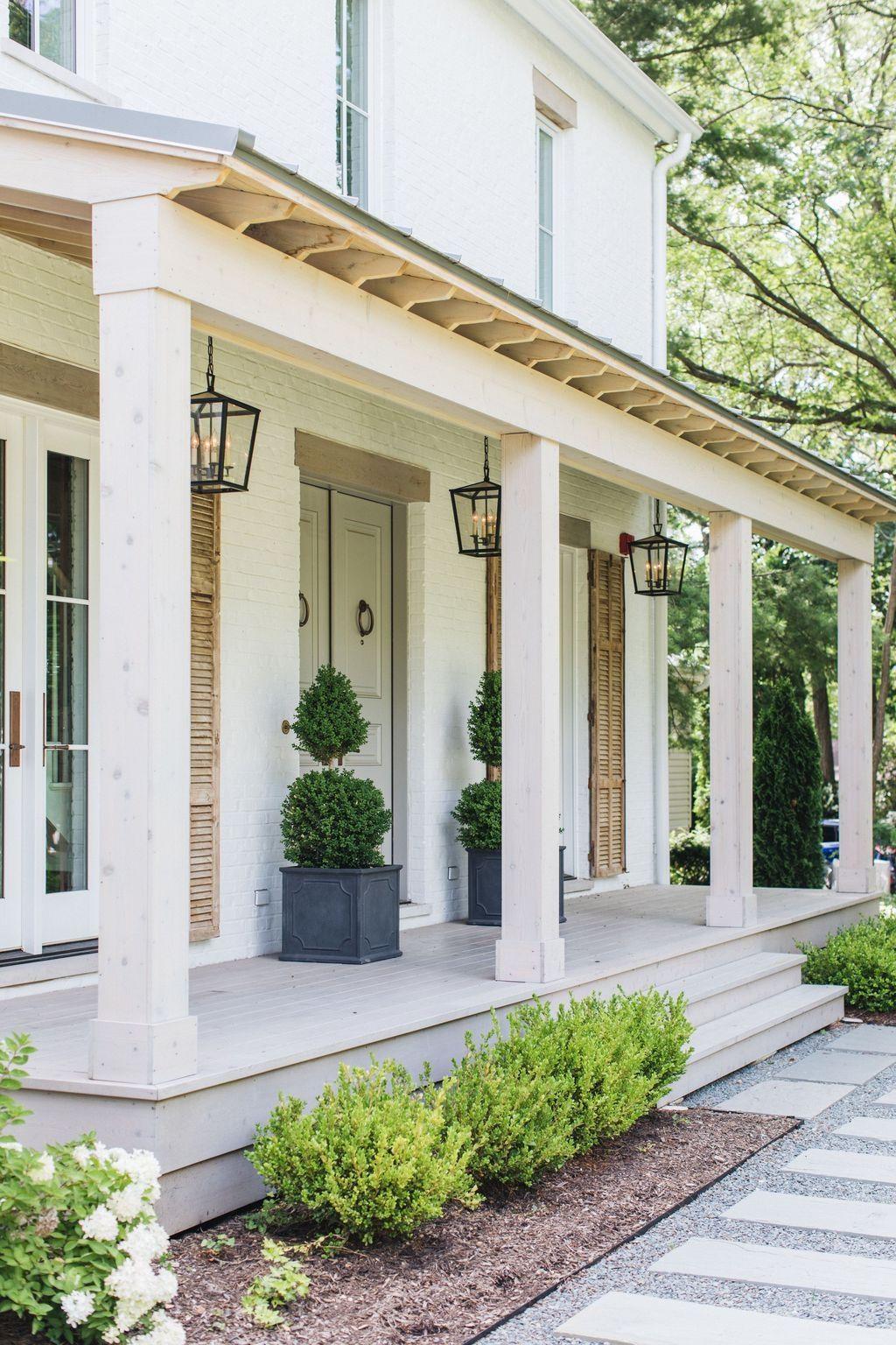20 Brilliant Rustic Farmhouse Porch Decor Ideas Trendhmdcr Porch Design House Exterior Front Porch Design
