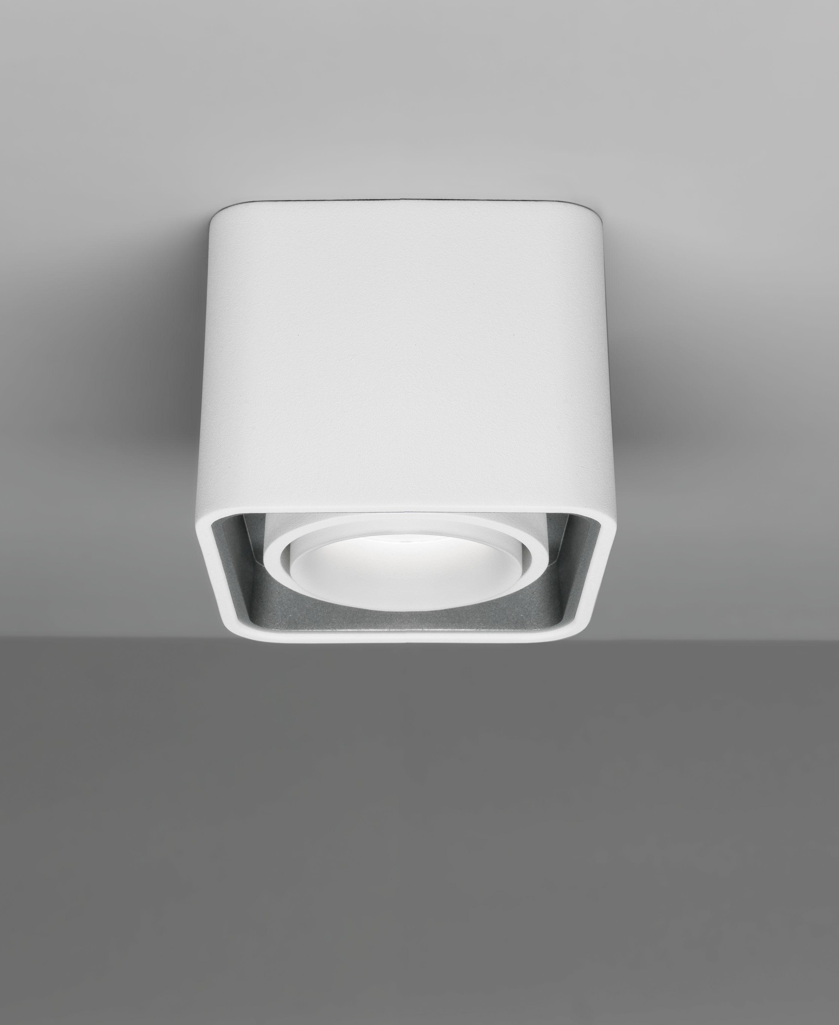 ein deckenspot der sich nicht verstecken muss kompakt in den abmessungen durch die gefrostete. Black Bedroom Furniture Sets. Home Design Ideas