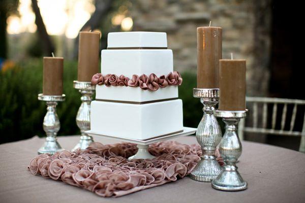 Charming squared cake!