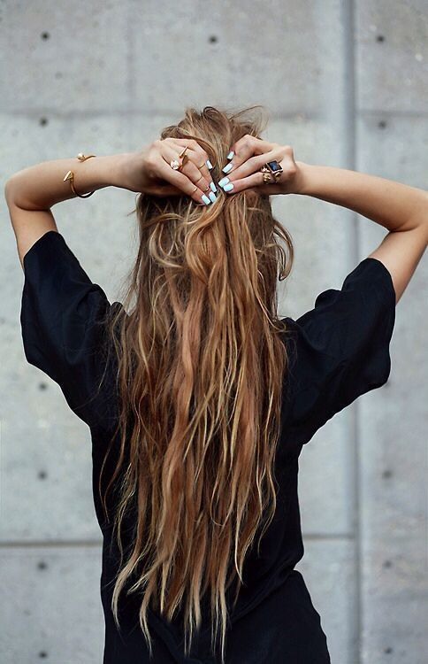 Long Hair Women S Styles The Pursuit Aesthetic Fashion Inspire Fashion Inspiration Magazine Beauty Ideaas Luxury Trends And More Long Messy Hair Long Hair Styles Hair Styles