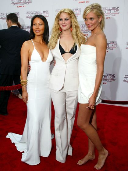 4bbaa5c43b61 2003  WITH LUCY LIU AND CAMERON DIAZ AT THE PREMIERE OF CHARLIE S ANGELS   FULL THROTTLE IN LOS ANGELES DB