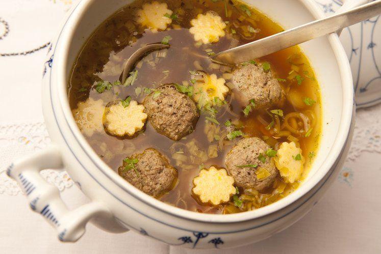 fränkische Festtagssuppe mit Einlagen | fränkische küche | Pinterest ...