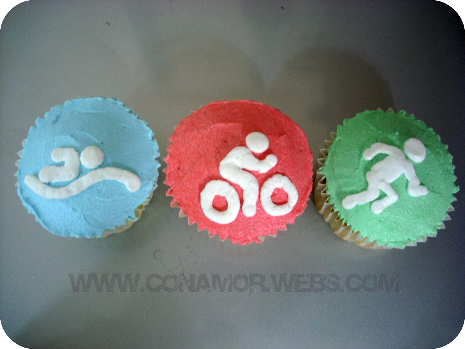Triathlon Cupcakes For The Big 3 0 One Event Each Decade As Long I Get A Vacation To Go Along With It