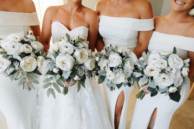 Tres Chic Brides Bouquet/White bridal bouquet/White green/grey bridal bouquet/White rose bouquet/Dusty miller bouquet/Lambs ears bouquet