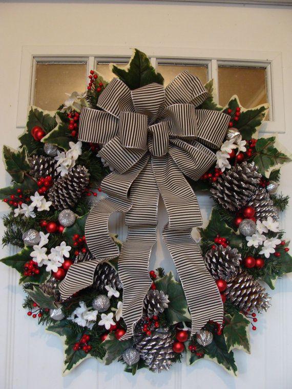 Black White With Red Christmas Retro Wreath Theperfectgarden On Etsy Christmas Wreaths White Christmas Wreath Christmas Decorations