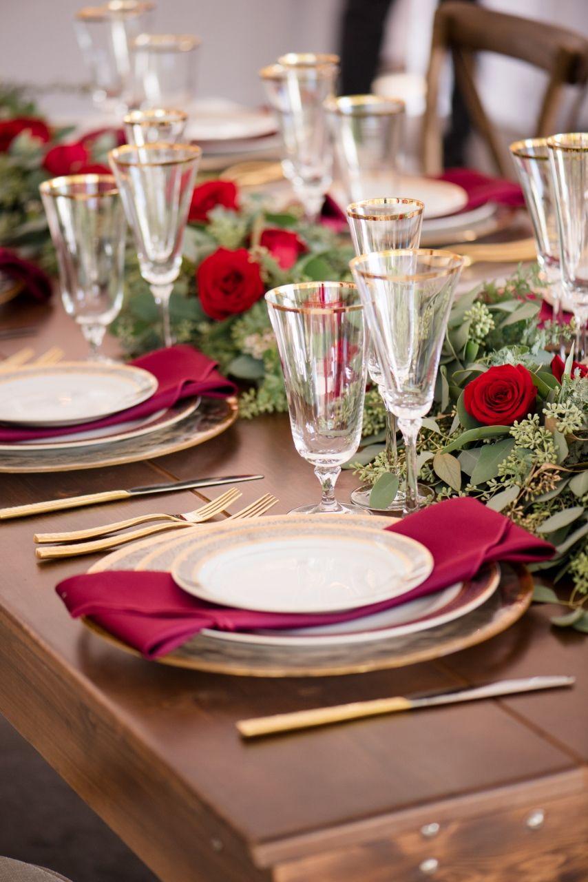 Home Christmas dinner table settings, Dinner party table