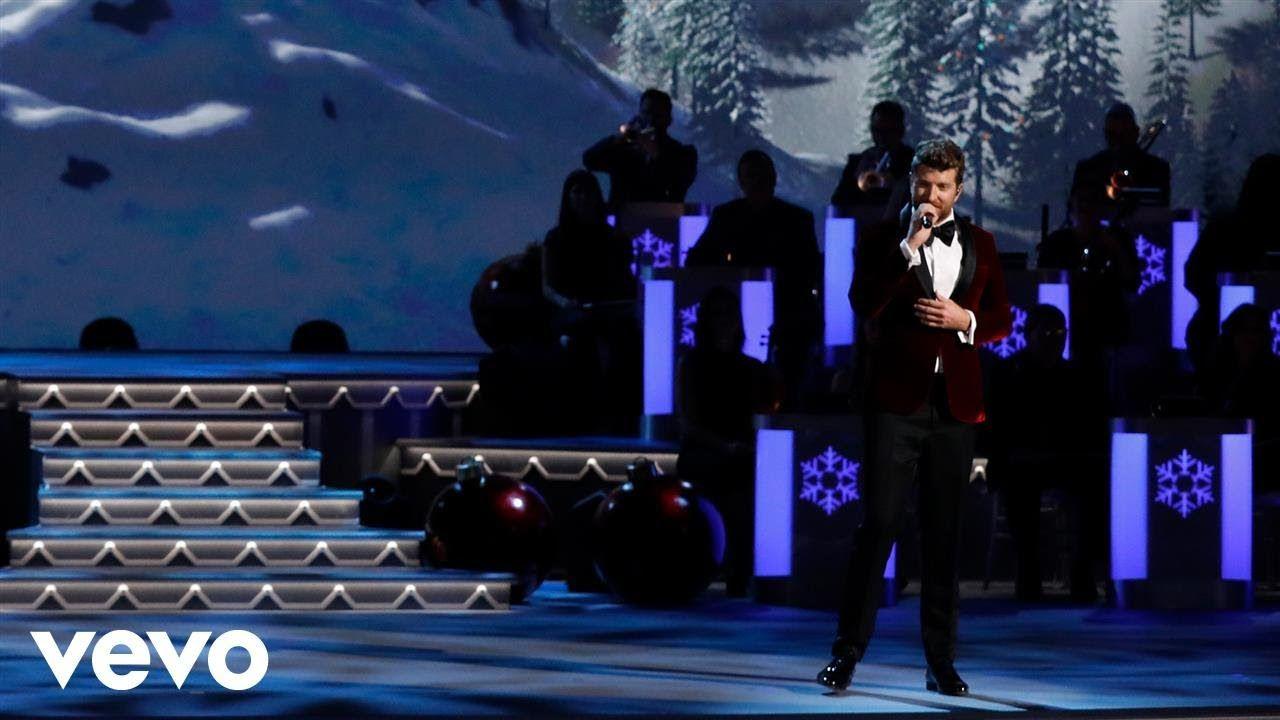 Brett Eldredge - It\'s Beginning To Look a Lot Like Christmas (Live ...