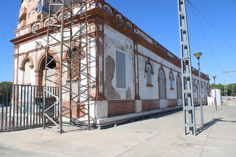almacenes cerrados de la estación de Jerez de la Frontera