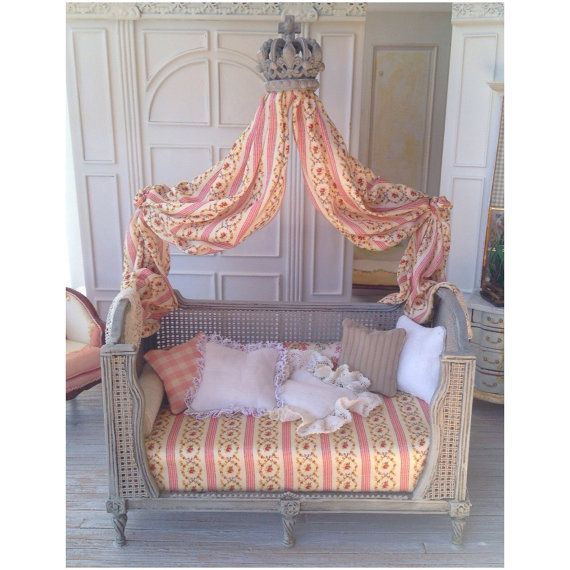 French Country Canopy Daybed 112 Dollhoyse by MaritzaMiniatures  sc 1 st  Pinterest & French Country Canopy Daybed 1:12 Dollhoyse by MaritzaMiniatures ...