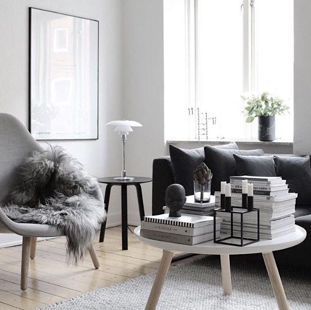 aus teppich design couchtisch aus teppich von alessandro isola with aus teppich teppich grun. Black Bedroom Furniture Sets. Home Design Ideas