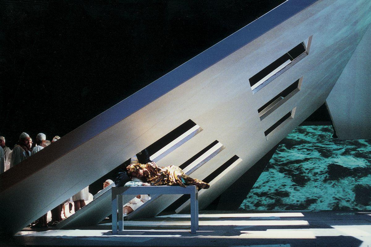 The Rake's Progress. Staatsoper Hamburg. Scenic design by Gottfried Heinwein. 2001