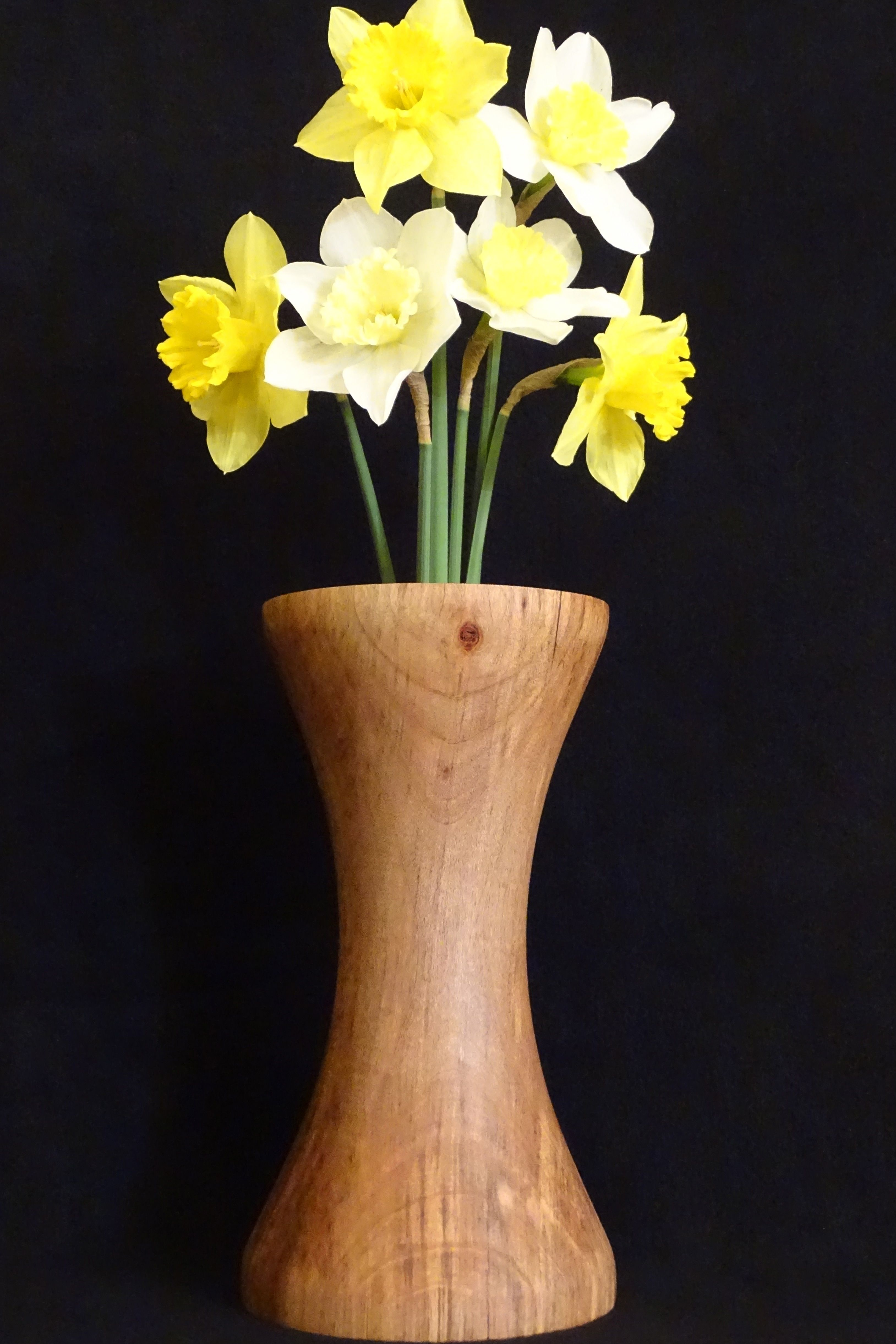 Hand turned maple wood flower vase httpsetsylisting tall wood flower vase includes a glass center for holding water for fresh flowers all natural handcrafted wooden decor made in oregon reviewsmspy