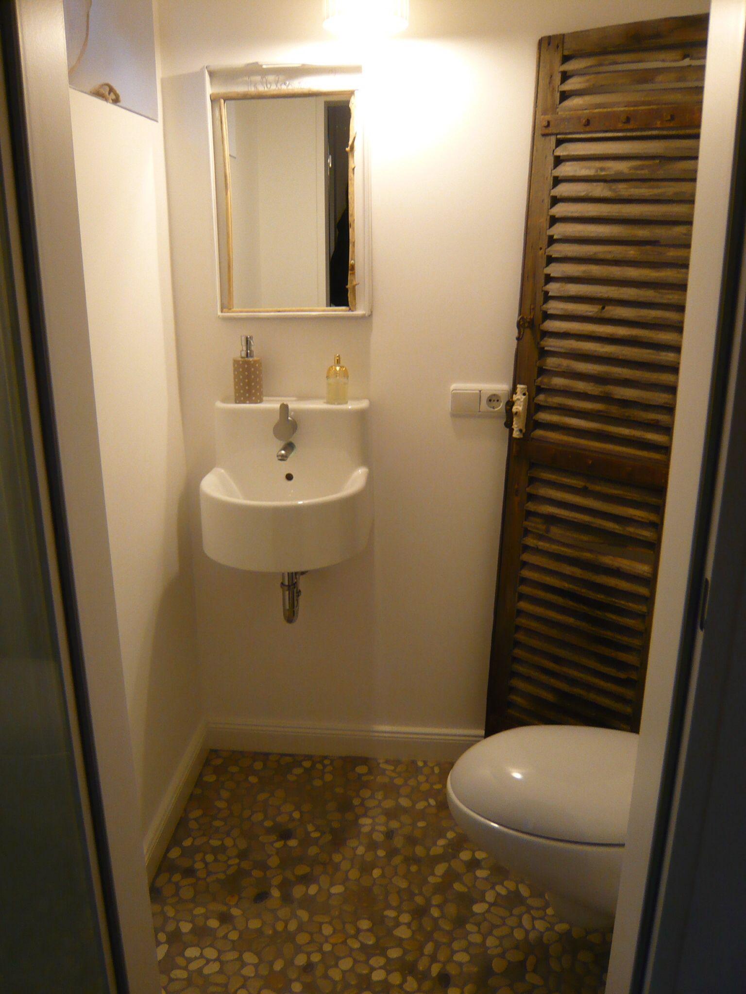 spiegelschrank g ste wc kreativ g ste wc wohnideen pinterest zum naturstein. Black Bedroom Furniture Sets. Home Design Ideas