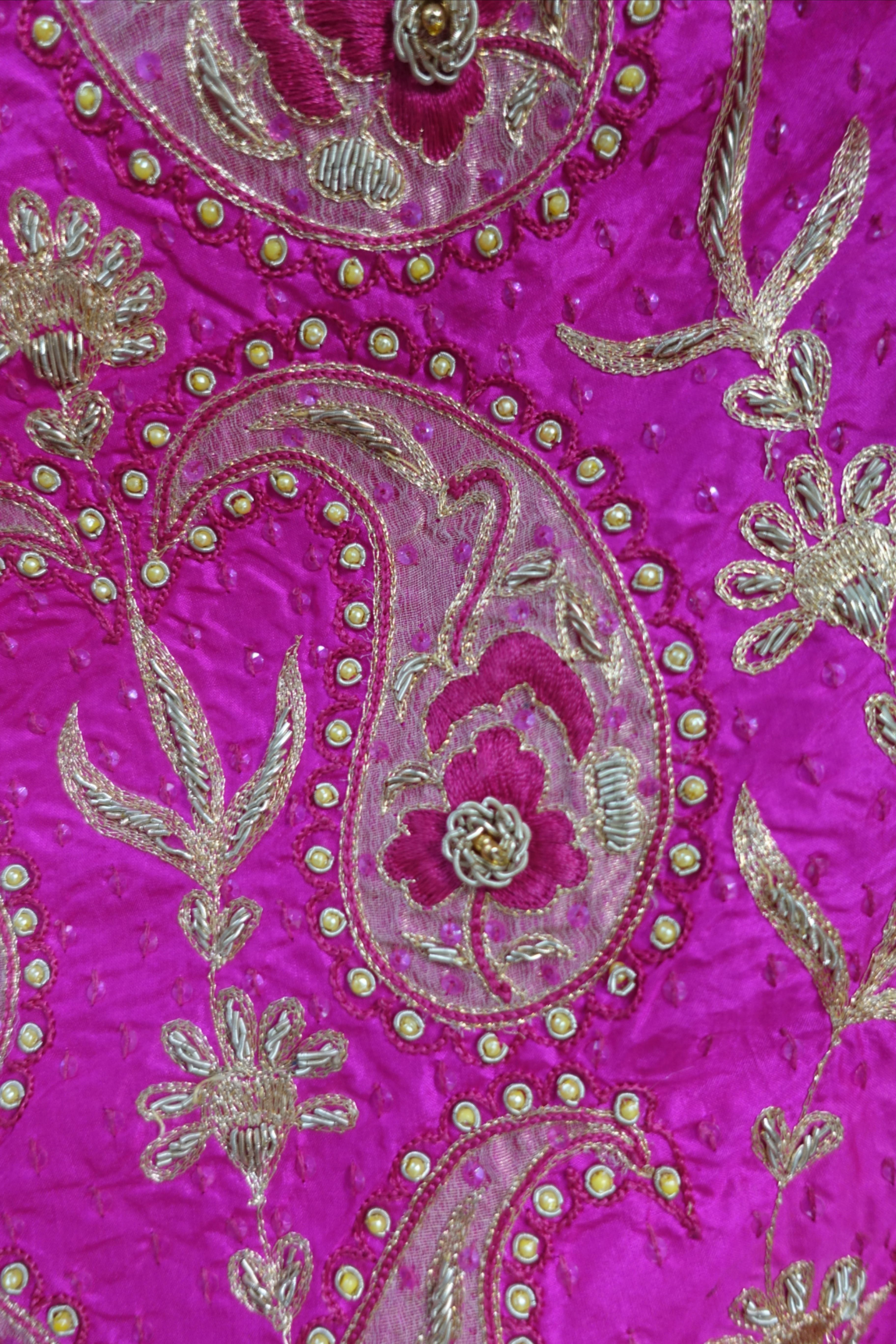 Look at the detailing on this pure silk, it has fine silk organza edges with gold zardosi, delicate embroidery, fine tilla work and small pearls.  This is part of a wedding trousseau from 30 years ago and has never been used.  . Swipe right to see the sari. . #indiansuitcompany . . #pink #trousseau #indianwedding #bridaltrousseau #oldisgold #vintage #vintagesilk  #zardosi   #embroiderersofinstagram  #indianembroidery #indianfabrics  #indianfabric #goldembroidery  embellishments #goldwork