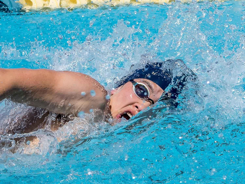 How Do I Put And Keep My Swim Cap On In 2020 Swim Caps Swim Lessons Learn To Swim