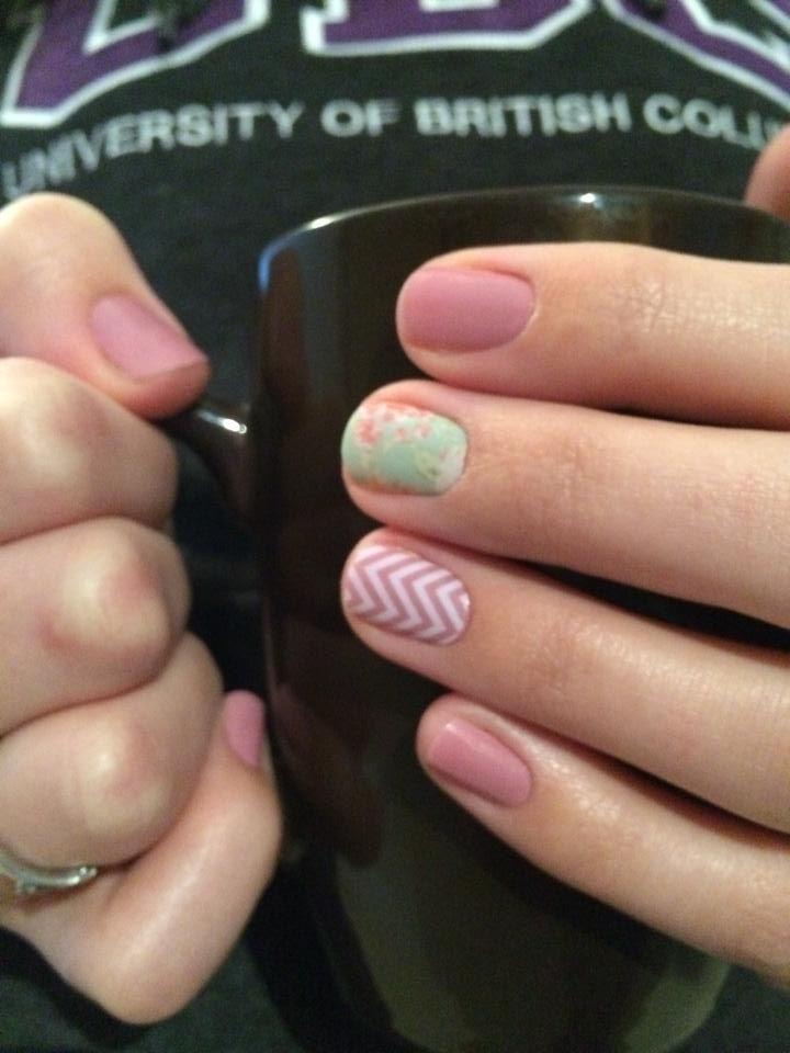 Tonights Jamicure! Love these Jamberry Nail Wraps - To order yours head to my website today :) Easy application and long lasting. $17 gets you one sheet which is good for 2 manicures AND 2 pedicures!  I am wear blush, vintage chic and white chevron in this picture. Pink, white, green, chevron, floral, nails