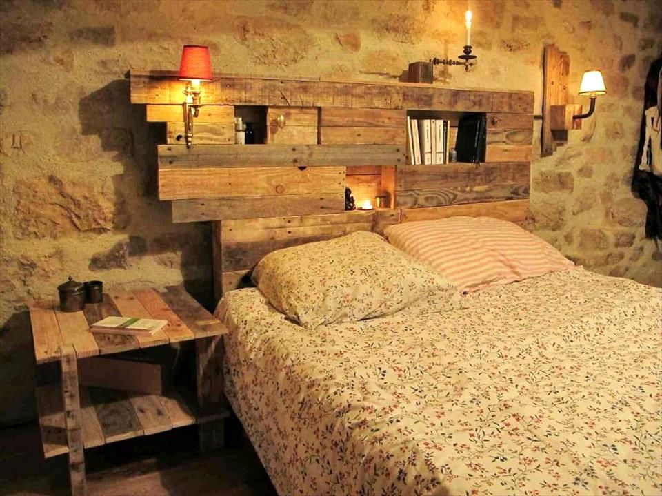 Rustic Pallet Headboard With Lamps And Shelves