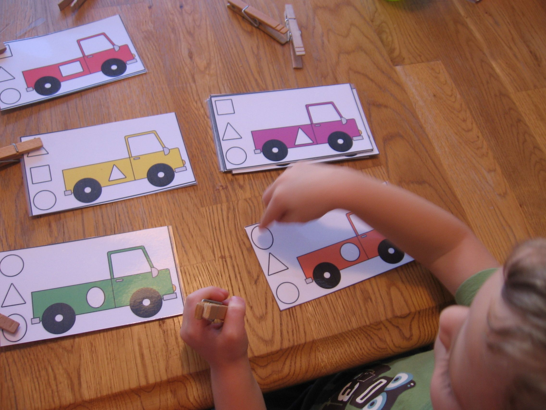 10 Preschool Math Activities (the Letter T