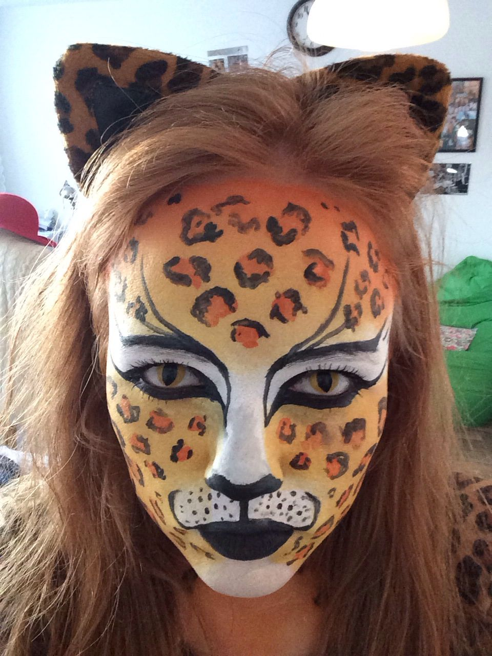 cat leopard facepaint costume halloween makeup pinterest fasching gesicht schminken. Black Bedroom Furniture Sets. Home Design Ideas