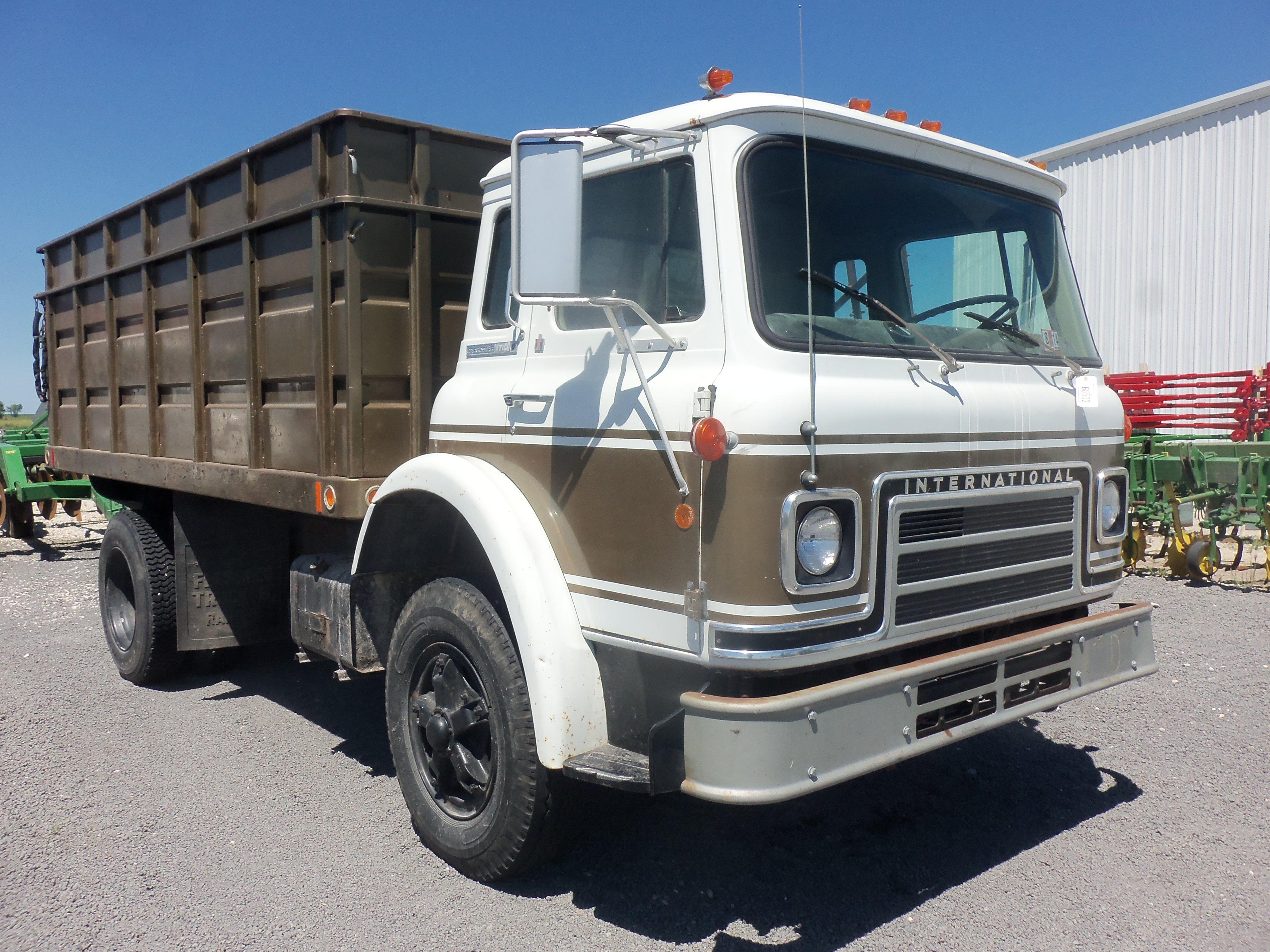 Antique International Harvester Semi Tractor : International cargostar my truck pictures