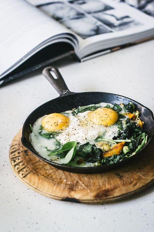 Round Wooden Cutting Board / Tagliere di Legno rotondo - (Baked Eggs with Spinach, Ricotta, Leek and Chargrilled Pepper / Uova al tegamino con spinaci, ricotta, porro e un pò di pepe)