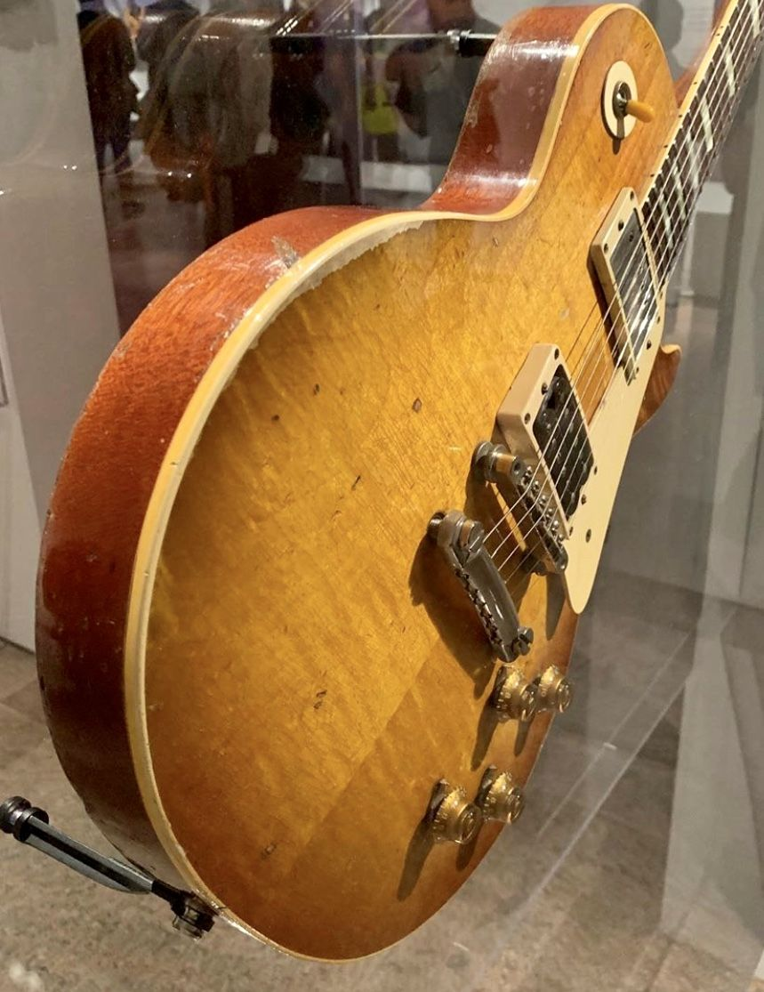 Jimmy Page Number One 1959 Gibson Les Paul At The Metropolitan Museum Of Art Play It Loud Exhibition Gibson Les Paul Les Paul 1959 Gibson Les Paul