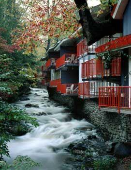 Best Motel In Gatlinburg On Creek And Super Soft Beds