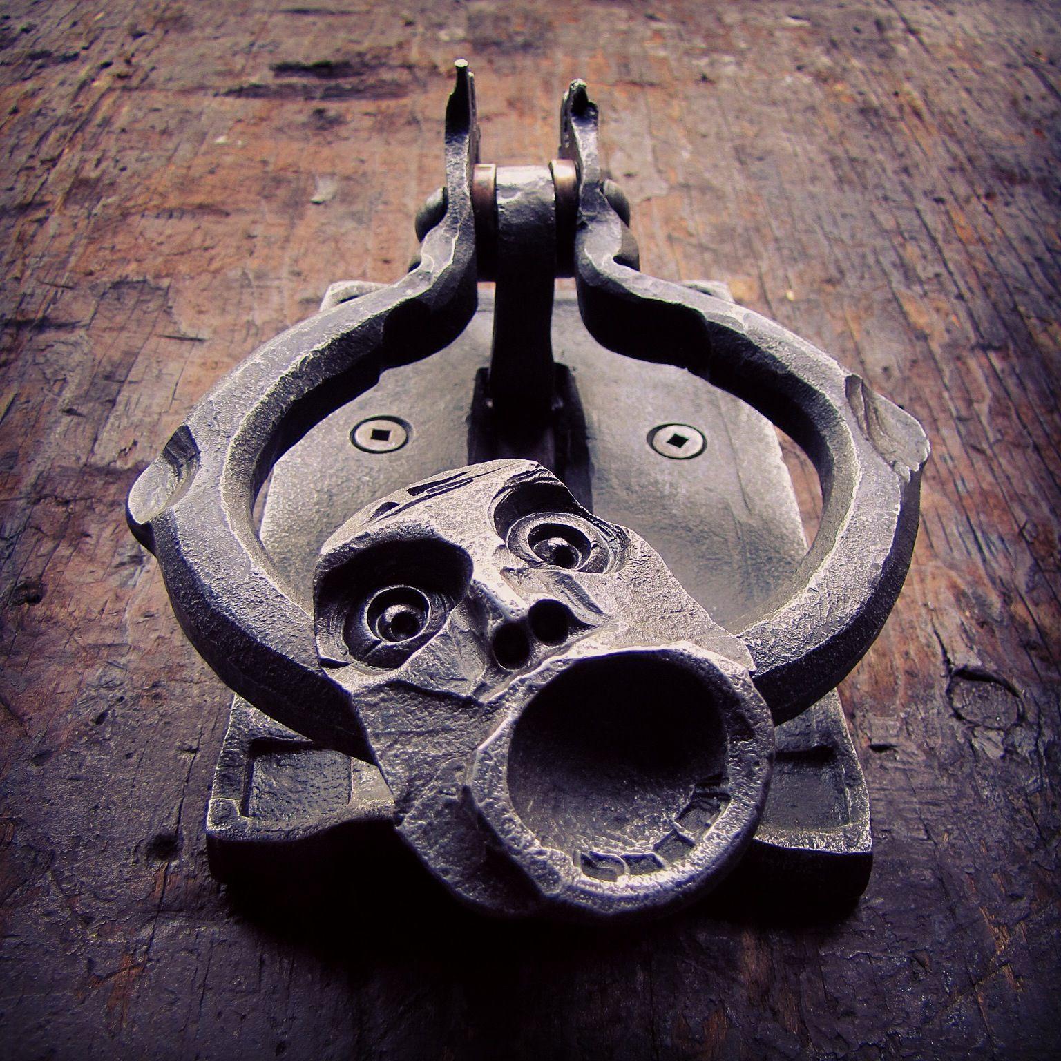 Wrought iron door knocker blacksmithartist puertas cerraduras