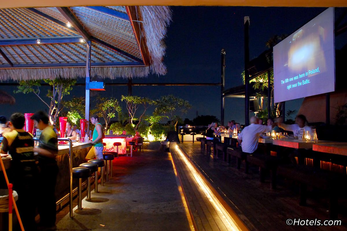 Sky Garden Lounge Is The Revolutionary Enterprise That Taught Legian S Night Owls Just How Great Time Spent On A Soari Best Rooftop Bars Rooftop Bar Sky Garden