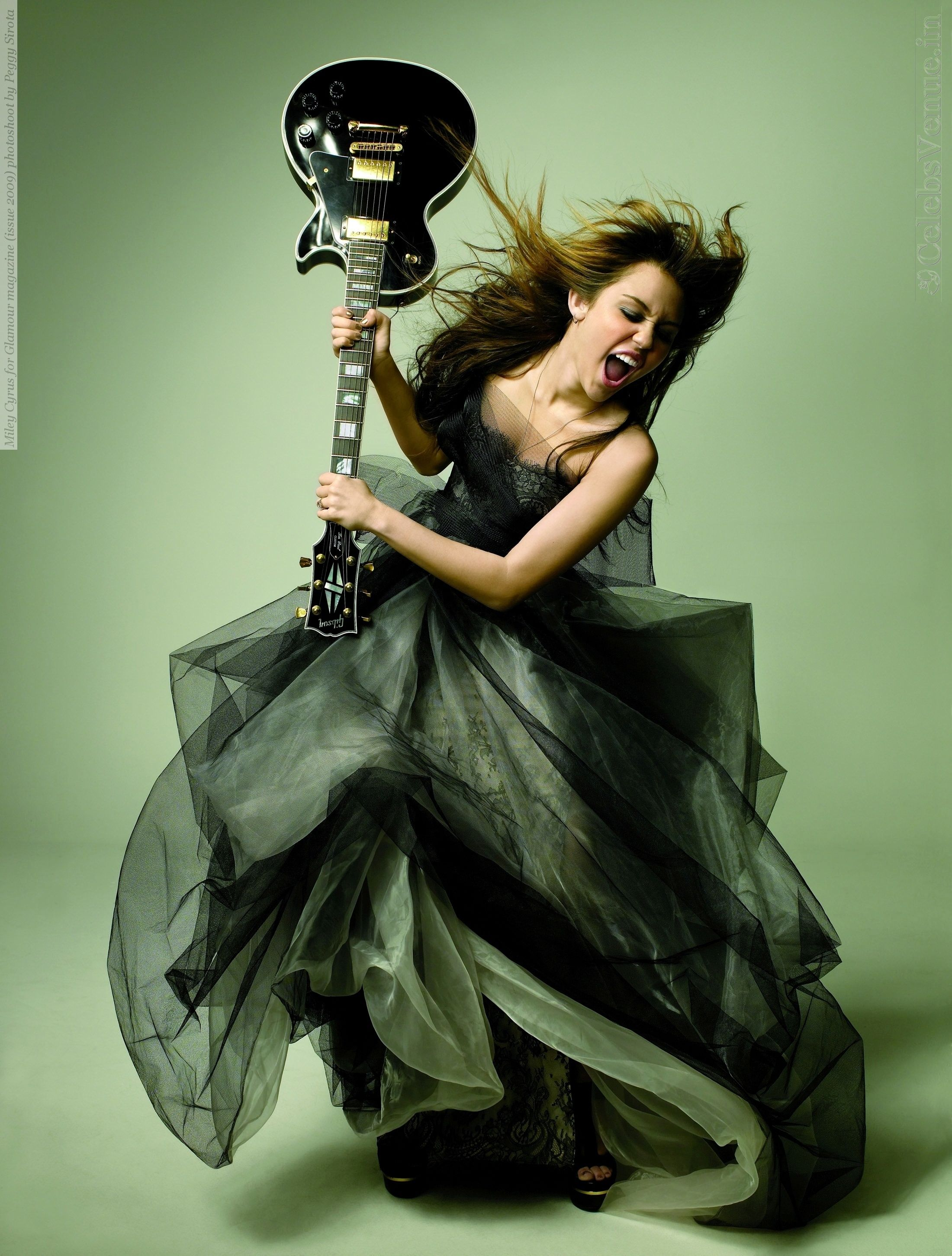 miley-cyrus-for-glamour-magazine-issue-2009-photoshoot-by-peggy-sirota-140.jpg