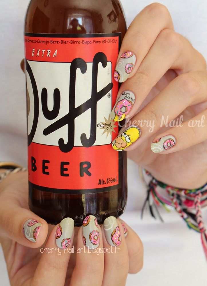 nail art simpson homer donuts