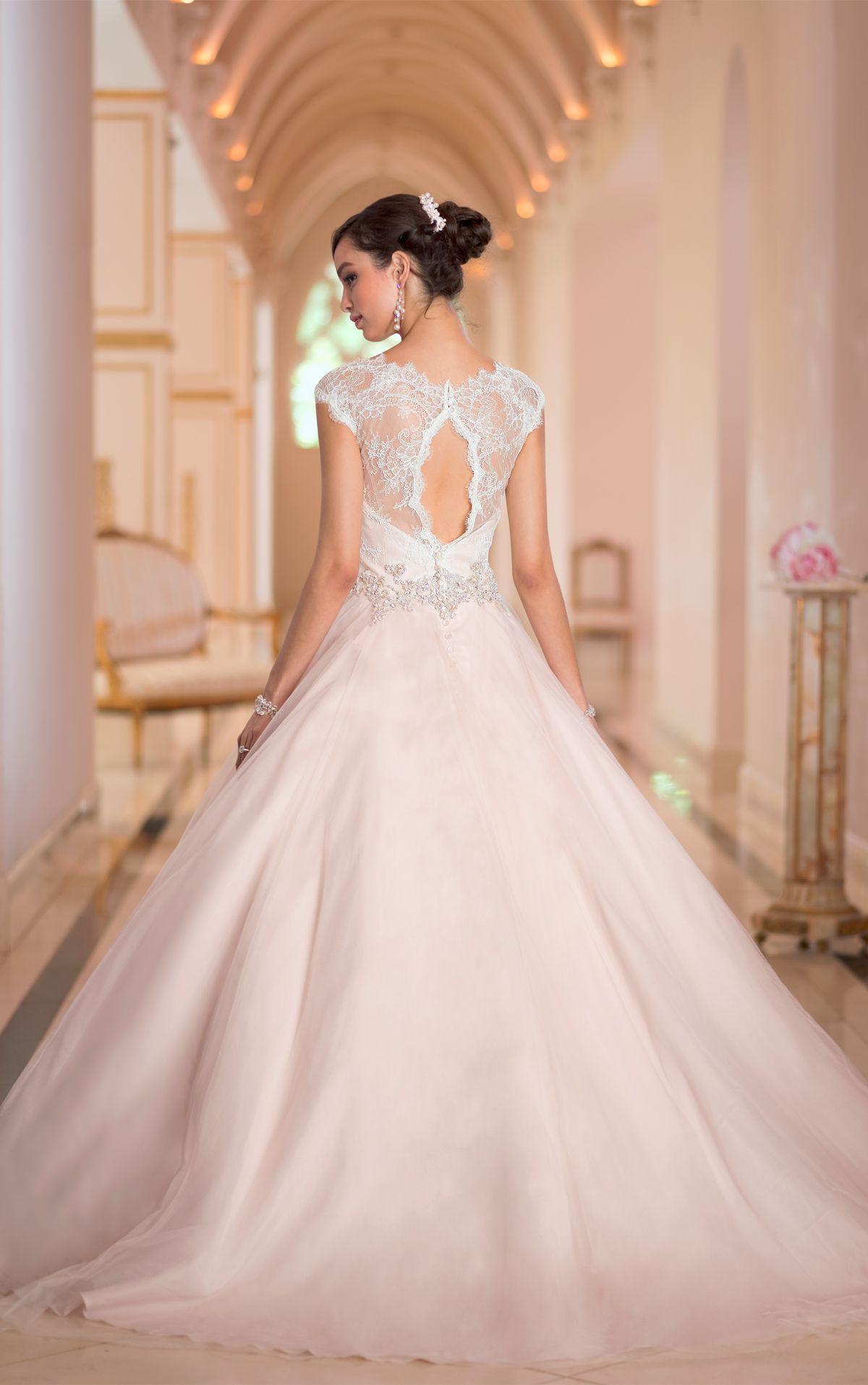 Mod wedding dress  Sexy and Extravagant Stella York Wedding Dresses   dream