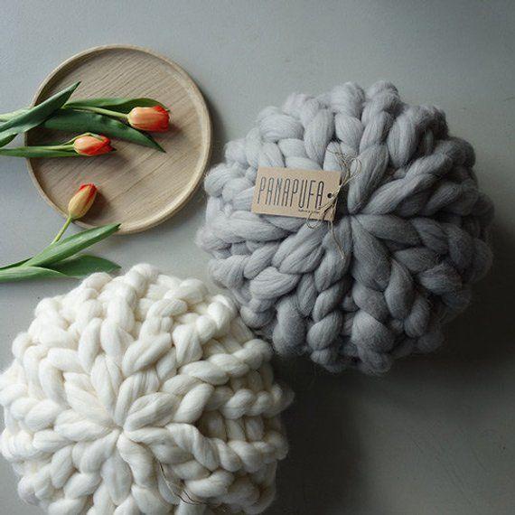 Round pillow Chunky knit cushion knit pillow chunky yarn | Etsy
