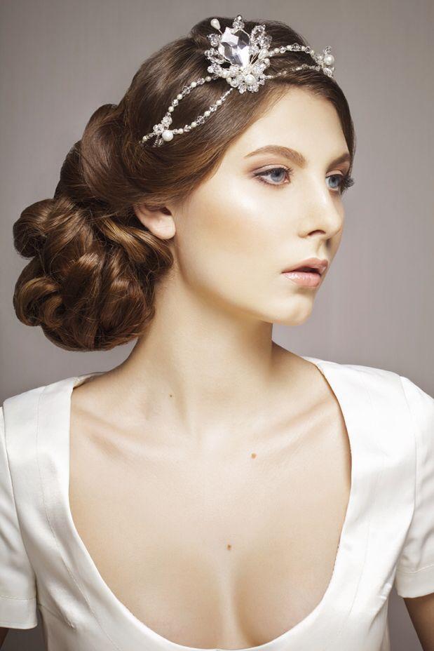Side swept wedding hairstyle   Bridal hair tips, Bridal hair