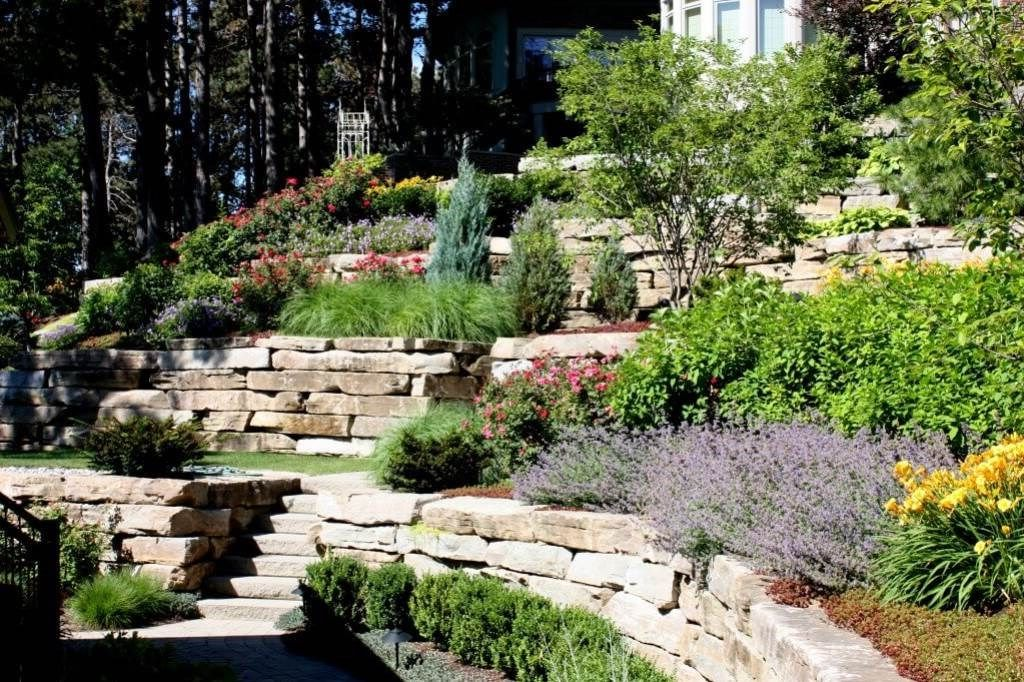Landscaping-Steep-Hill-Backyard-for-Getting-Outstanding ...